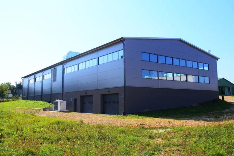 Hala produkcyjna w Chełmku, produkcja obuwia